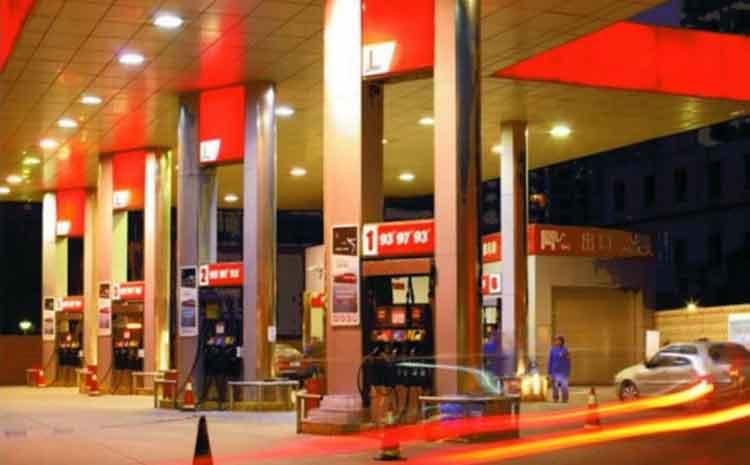 河南省洛阳市加油站洛阳六十站立柱看板广告